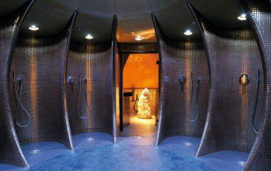 Bild Duschen mit Mosaikfliesen