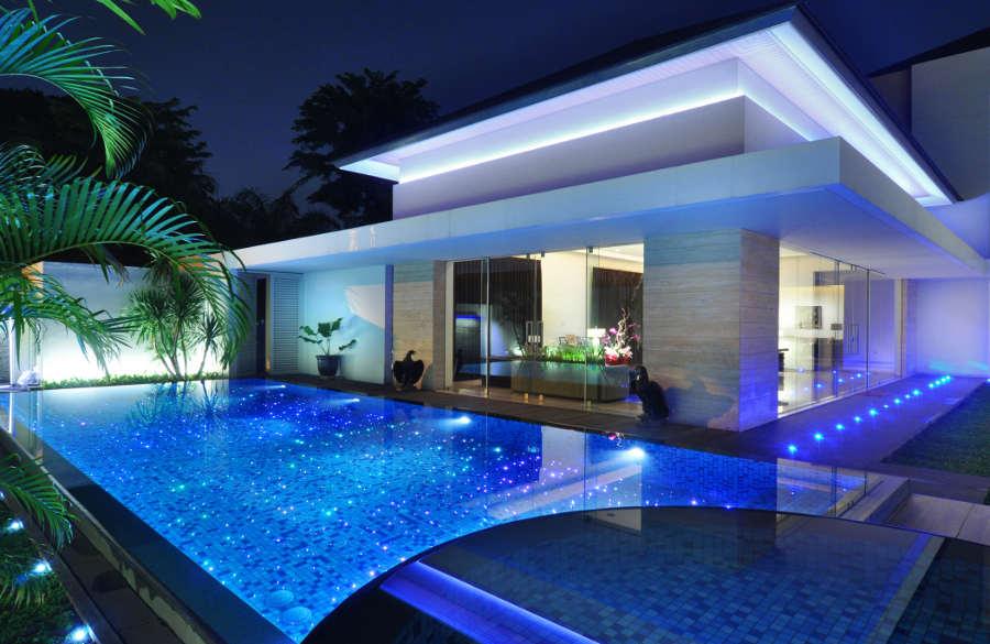 Mosaikfliesen schwimmbad baukeramik und natursteine for Garten pool holzoptik